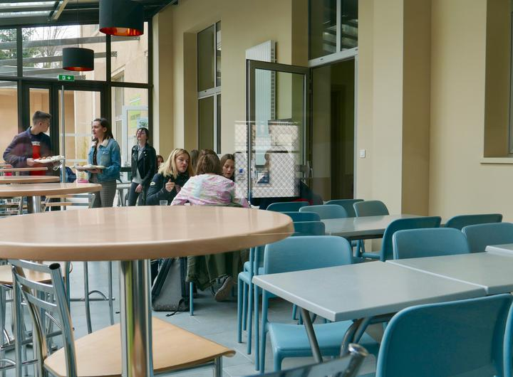 Nouvel espace repas au Lycée